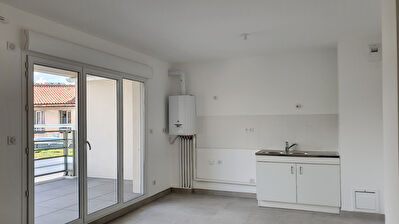 Appartement Marseille 13016  2 pieces  37 m²